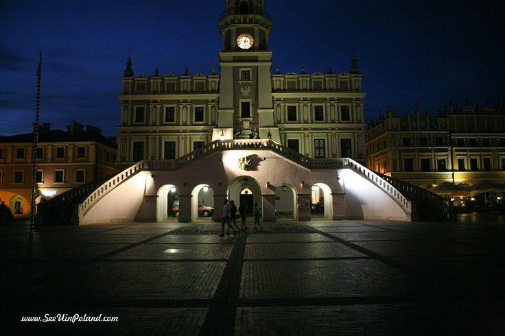 Ratusz nocą. Rown Hall by night.  #zamosc #unesco #lubelskie  #polska #poland #visitpoland #townhall #cityscape #seeuinpoland #night