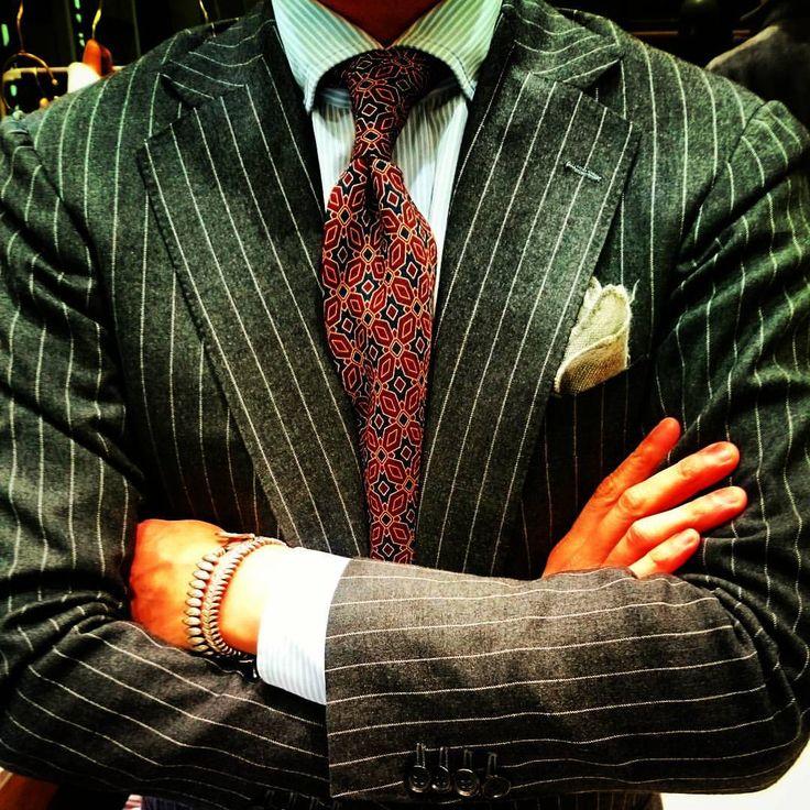 タイユアタイのネクタイはおしゃれな紳士の証明!ちょいワル?イタオヤ?