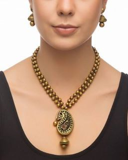 Terracota beads, what a beautiful pendant...great with a saree or a kurta...