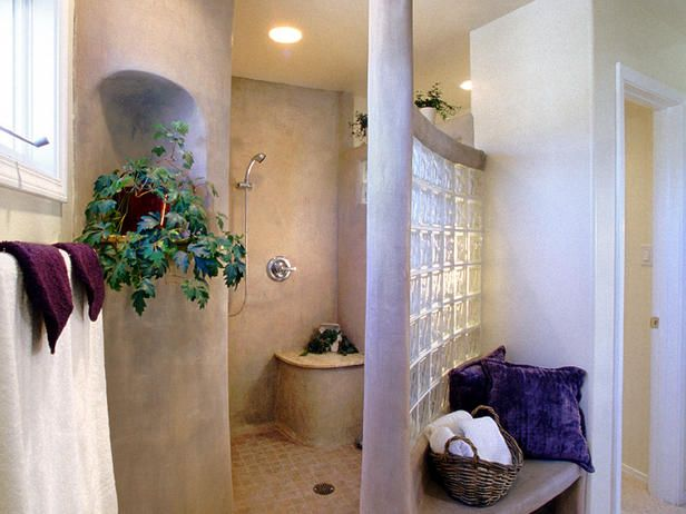 South of the Border Rounded corners and textured walls create a southwestern flair in this large, walk-in shower by Steve Appolloni. This look would work in a home that embraces Native American, Latin or even Spanish style.
