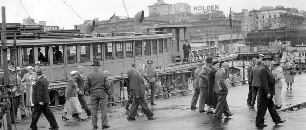 Working Harbour - Ferry Kanangra at Commissioners Steps, Sydney Cove 28 October 1954 - MUST CREDIT Courtesy City of Sydney Archives