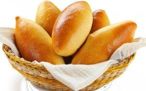 Пирожки спеченью ирисом, яйцом, картошкой