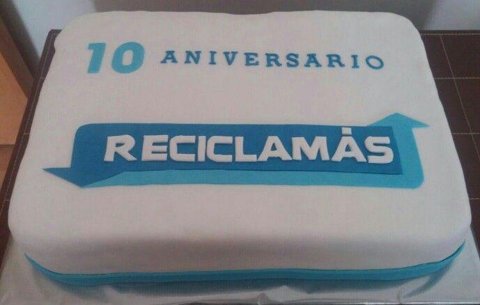 Tarta para celebrar el Décimo Aniversario de una empresa de reciclaje!!