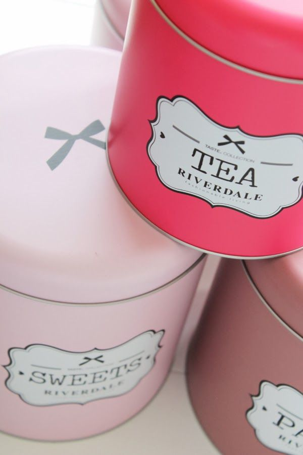 Tea time with Riverdale pastel cans!