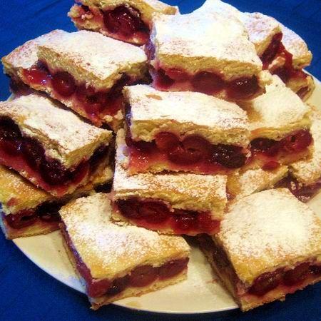 Egy finom Cseresznyés pite IV. ebédre vagy vacsorára? Cseresznyés pite IV. Receptek a Mindmegette.hu Recept gyűjteményében!