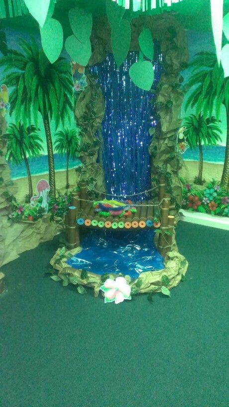 Jungle room,...check out their shaky rope bridge!