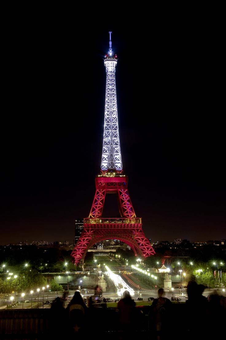 Illumination tour eiffel aux couleurs de la turquie - Couleur de la tour eiffel ...