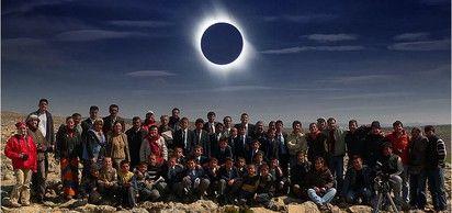 Dünya'nın büyük bir bölümünde gözlemlenen tam güneş tutulması gerçekleşti.