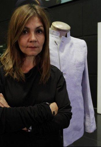 28-Lina Cantillo 1996 diseño una colección para colombiatex  1997 monto su primer almacen en Bogota