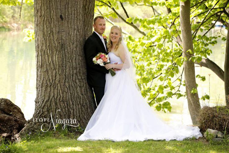 Summer Lovin Wedding At The Little Log Wedding Chapel At Elope Niagara