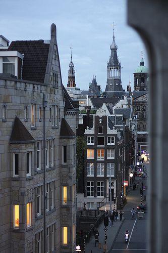 Amsterdam, The Netherlands. Foto genomen vanuit hotel raadhuisstraat galerij.
