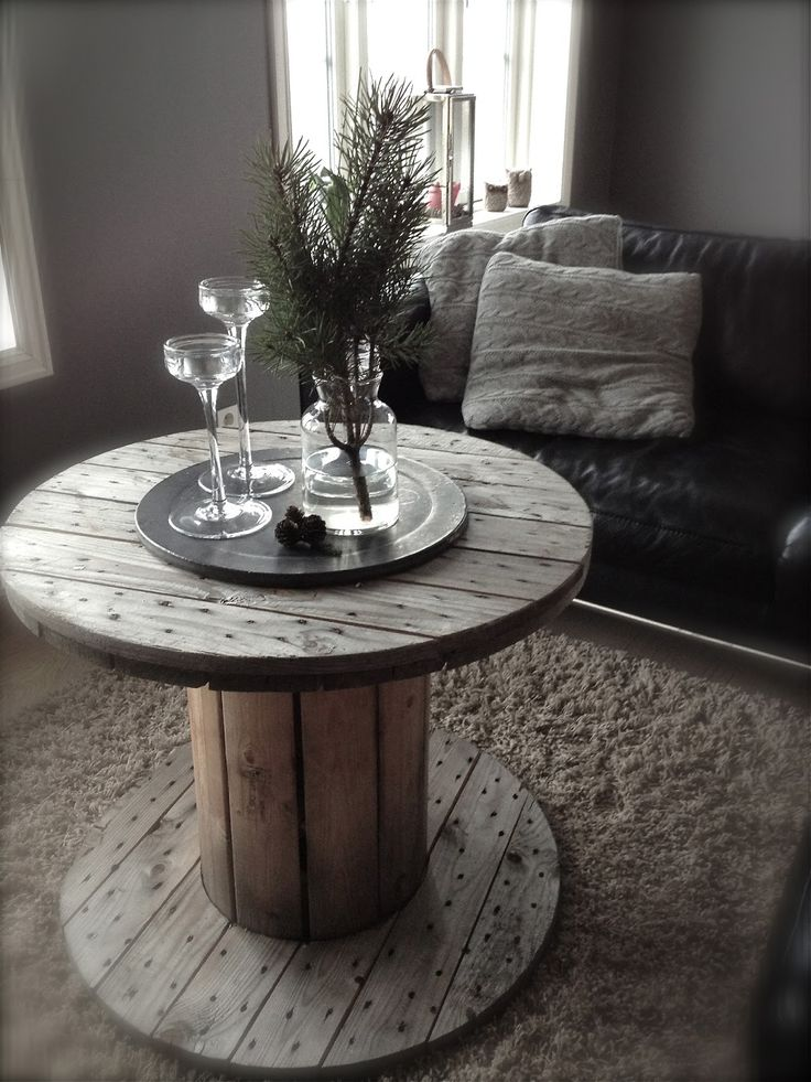 cablespool table left in the weathered gray look love it. Black Bedroom Furniture Sets. Home Design Ideas