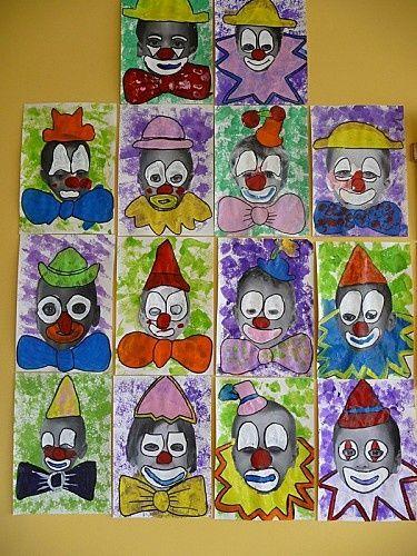clowns van zwart-wit foto's van de kinderen of juist van de juffen en meesters!: