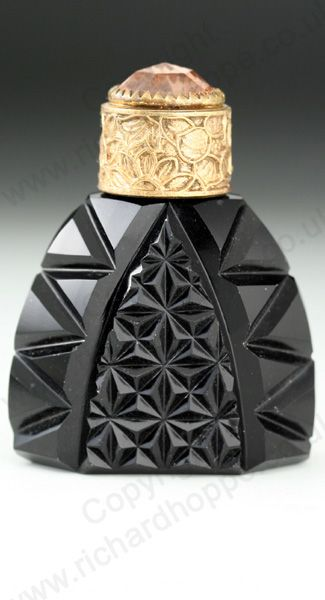 VINTAGE GLASS: ART DECO SCENT & PERFUME BOTTLES. c.1930s BLACK CUT GLASS SCENT BOTTLE WITH YELLOW METAL & CABOCHON SCREW TOP, CZECHOSLOVAKIAN. To visit my website click here: http://www.richardhoppe.co.uk or for help or information email us here: info@richardhoppe.co.uk