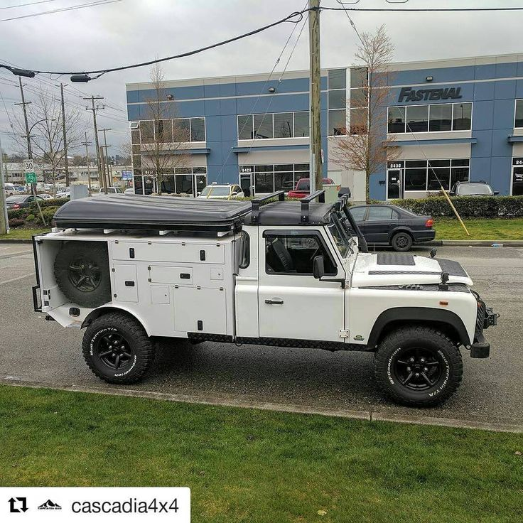 """47 mentions J'aime, 4 commentaires - TheBoss (@american_bossman) sur Instagram: """"#Repost @cascadia4x4 with @repostapp ・・・ Expedition ready Land Rover Defender spotted on the…"""""""