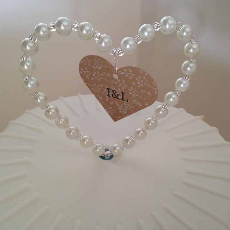 Pearl heart cake topper for Ian & Louise
