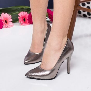 Pantofi stiletto argintii din piele ecologica. Inaltimea tocului este de 11 cm