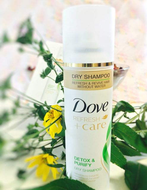 Dove Refresh + Care Detox and Purify Dry Shampoo REVIEW |Beauty and Fashion blog for women | Chic From Hair 2 Toe
