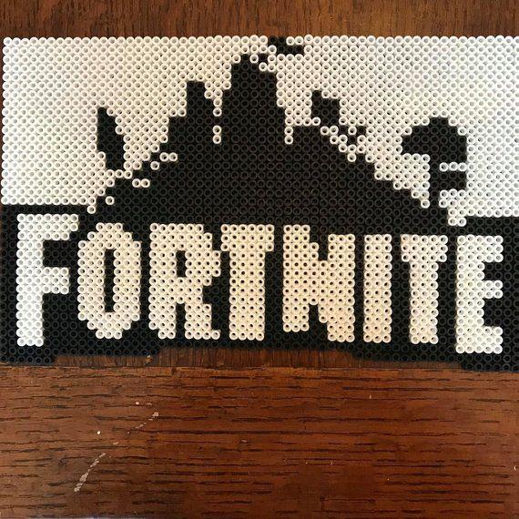 Fortnite 8 Bit Logo Pixel Art Tricot Dessin Motifs Perles Hama