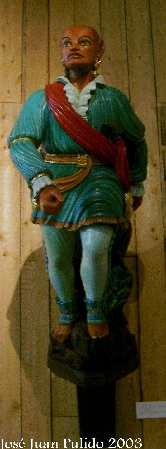 """Museo Marítimo de Barcelona. Mascarón de proa llamado """"El negro de La Riba"""". En realidad es la figura de un indio iroqués norteamericano. Maritime Museum of Barcelona. Figurehead called """"the Black La Riba"""". Actually is the figure of an American Iroquois Indian"""