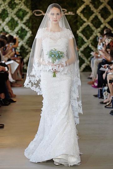Oscar de la Renta is one of my favorite designers!  So classically beautiful and elegant.