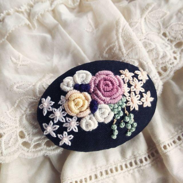 【展示品】アンティークローズbouquet    刺繍ブローチピン