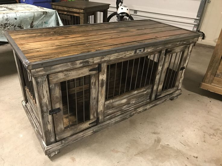 Farmhouse Style Weathererd Amp Distressed Medium Double Dog