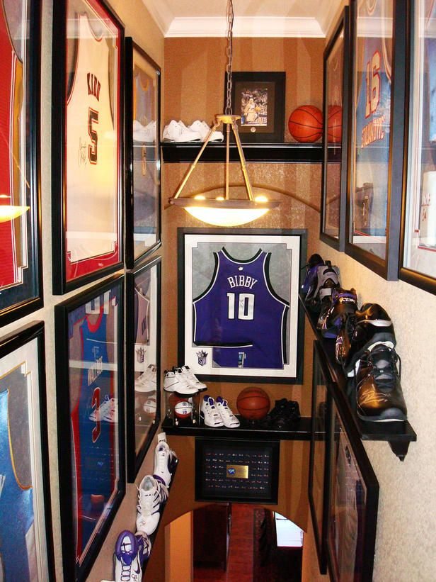 B-Ball Fanatic's Haven in 8 Dude-tastic Man Caves  from HGTV