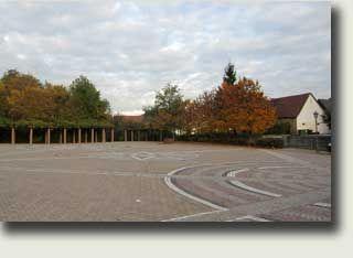 """Ich heiße Sie recht herzlich Willkommen auf den Internetseiten von André Braselmann aus Kuhardt in der Pfalz.Kuhardt gehört zur Verbandsgemeinde Rülzheim im Landkreis Germersheim.Mit 1911 Einwohnern (Stand: 31.12.2014) ist Kuhardt die kleinste Ortsgemeinde der VG Rülzheim. Ortsbürgermeister ist Roland Eiswirth (CDU).Das Örtchen Kuhardt liegt in der südlichen Pfalz inmitten des Städtedreiecks Landau, Speyer und Karlsruhe.Unter dem Namen """"Cohart"""" wurde der Ort erstmals im Zusammenhang mit der…"""