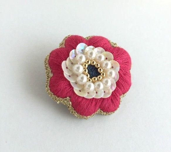 刺繍brooch:アネモネ