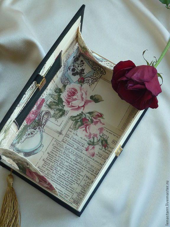 """Купить Клатч-книга """"Мастер и Маргарита"""" - однотонный, клатч, клатч в виде книги, клатч-книга"""