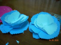 kraftangan kertas