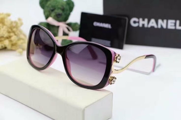 CHANEL 42USD All glasses will be sent with a box as the pictures
