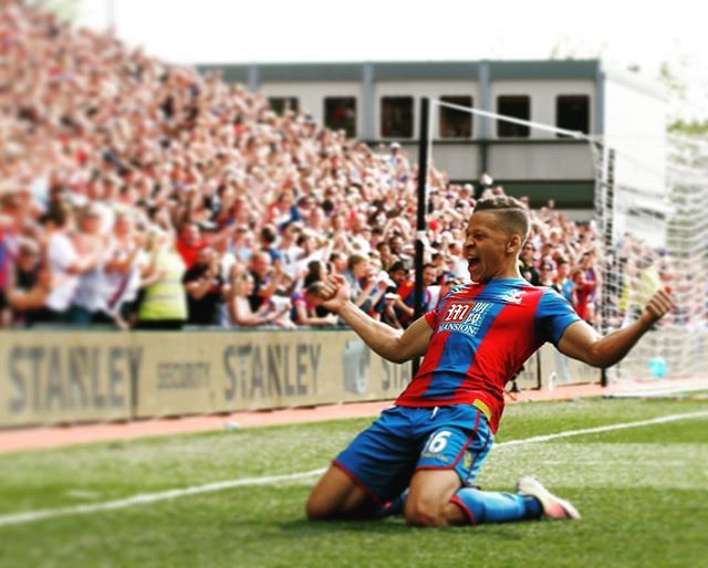 Dwight Gayle's double secures Crystal Palace's