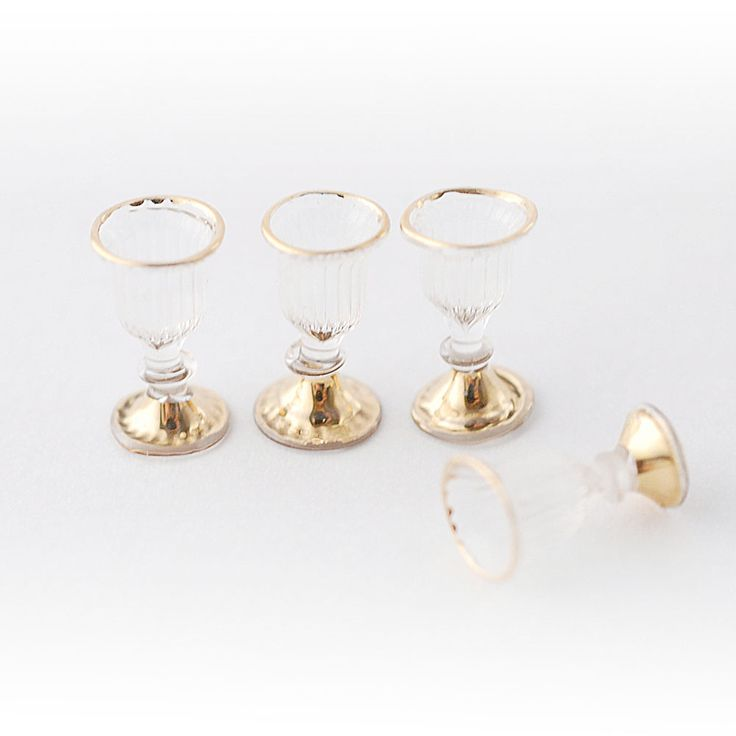 RP14638 - Victorian Wine Glasses