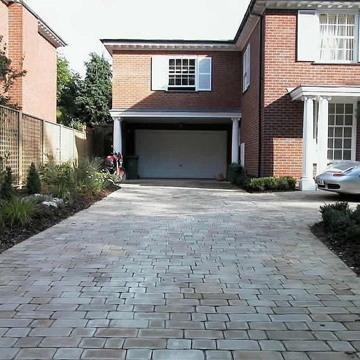 60 best driveway designs and ideas images on pinterest for Semi circle driveway ideas