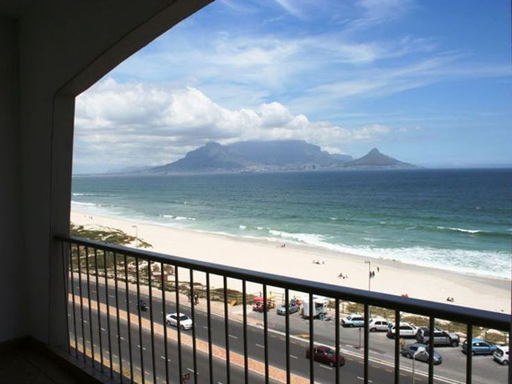 Witsand 606  - This self-catering apartment is perfect for beach lovers and visitors looking for a room with a sea view. Situated on the west coast beach front road in the popular Bloubergstrand area of Cape Town the ... #weekendgetaways #bloubergstrand #southafrica