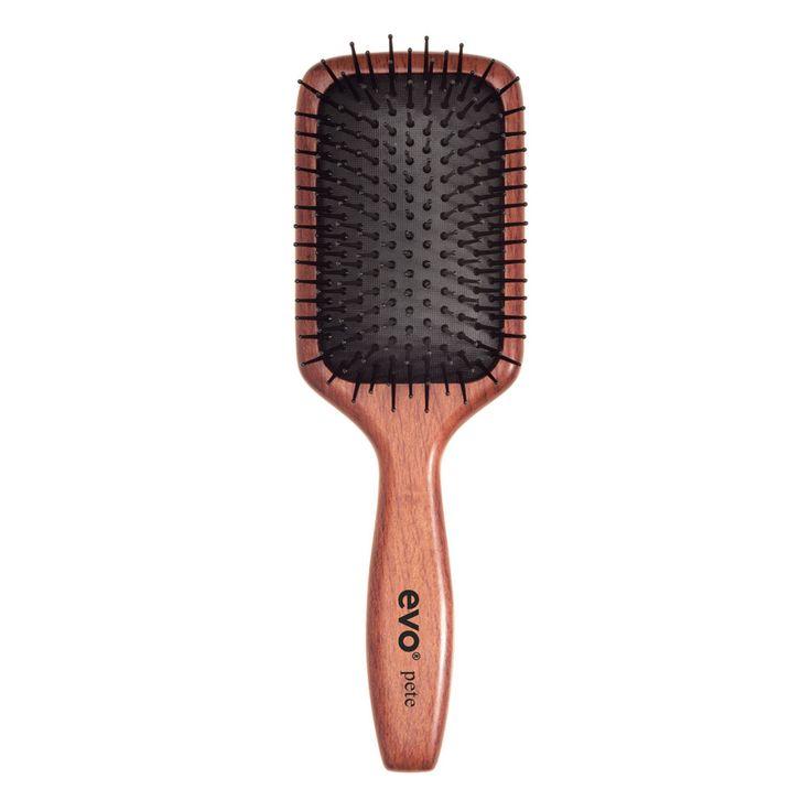 """EVO borstel """"Pete"""" Een multi-purpose styling borstel.  Gebruik de borstel om het haar te ontwarren, stijl te maken (zonder volume), of glad te maken voor opsteekkapsels.  Geschikt voor halflang tot lang haar, en voor alle typen haar.  #evosaveus"""