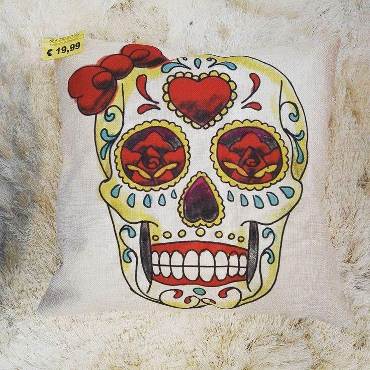 Cuscino teschio messicano 1999 #spazioliberohome #spazioliberonews #spazioliberoarredadal1987