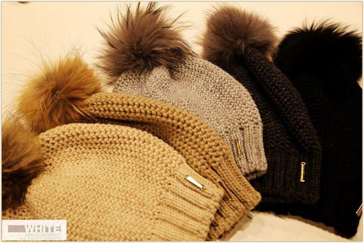 In certe giornate invernali è indispensabile avere un bel #berretto per proteggersi dal freddo.  #WHITE #berretto #cappello #moda #donna