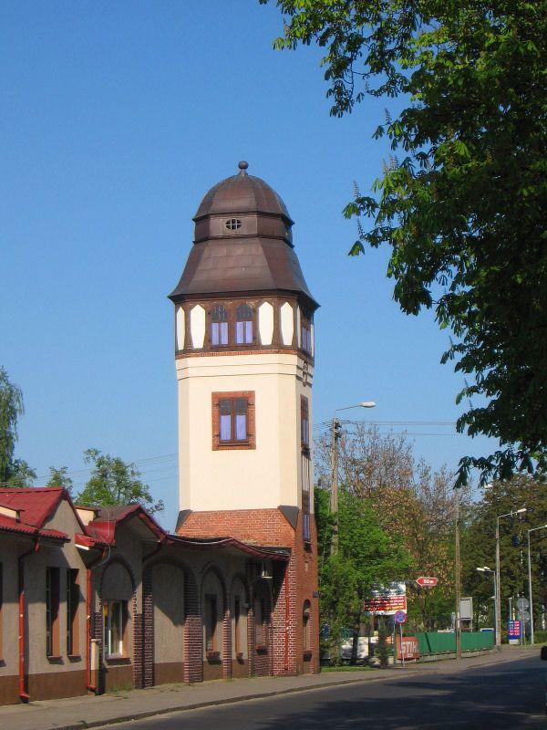 Wieża wodna w Kluczborku z 1910 roku, na terenie gazowni.