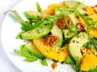 Ensalada de Arúgula, Aguacate y Mango | Esta rica y fresca ensalada de arúgula, aguacate y mango te va a encantar para disfrutar un delicioso menú.