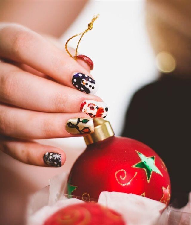 christmas ornament nail art - photo #20