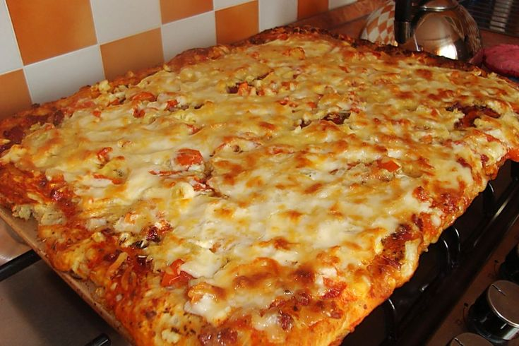 Итальянская пицца с копченой колбасой