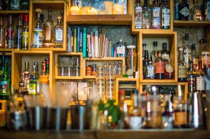 Chic Speakeasies and Cocktail Bars in Paris