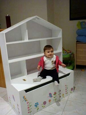 Dollhouse bookcase with toybox