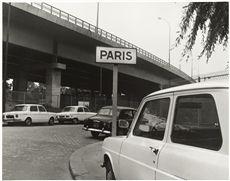 Série  6 mètres avant Paris , avenue Maurice-Thorez, Ivry-sur-Seine et l'avenue de la Porte-d'Ivry, Paris (XIIIème arr.). Photographie d'Eustache Kossakowski, 1971. Paris, musée Carnavalet.