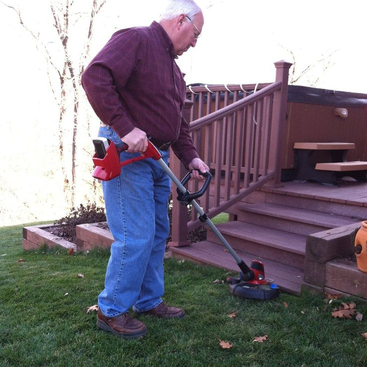 This #cordless #trimmer likewise does edging, and runs at an incredible 7,500 rpm. It has a 12 inch slicing region to accomplish your yard quicker and less demanding. http://bit.ly/1tcElD9