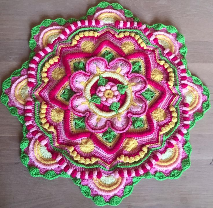 Mandala Madness interpreted by Linda Quistgaard Christoffersen‎ from FB CCC group