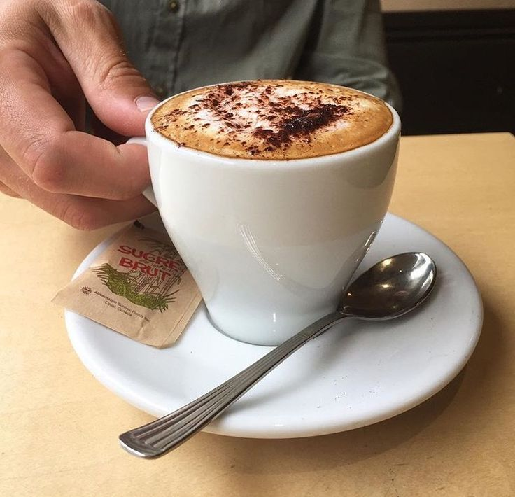 CAPPUCINO LOVE AT LE CAFÉ CRÈME MTL,QC